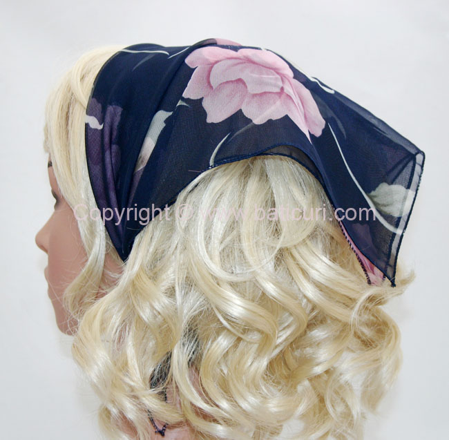 136-16 Navy with dusty pink flowers