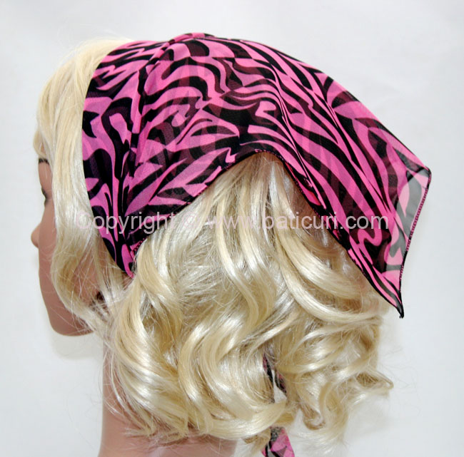 136-97 Pink and black wavy swirls