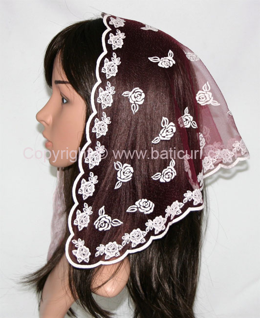 #54 Tri. scattered roses- Dk maroon/ white