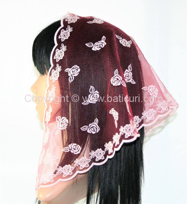 #54 Triangular Scattered roses- Maroon/white